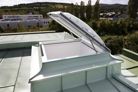 Зенитные фонари для выхода на крышу CXP